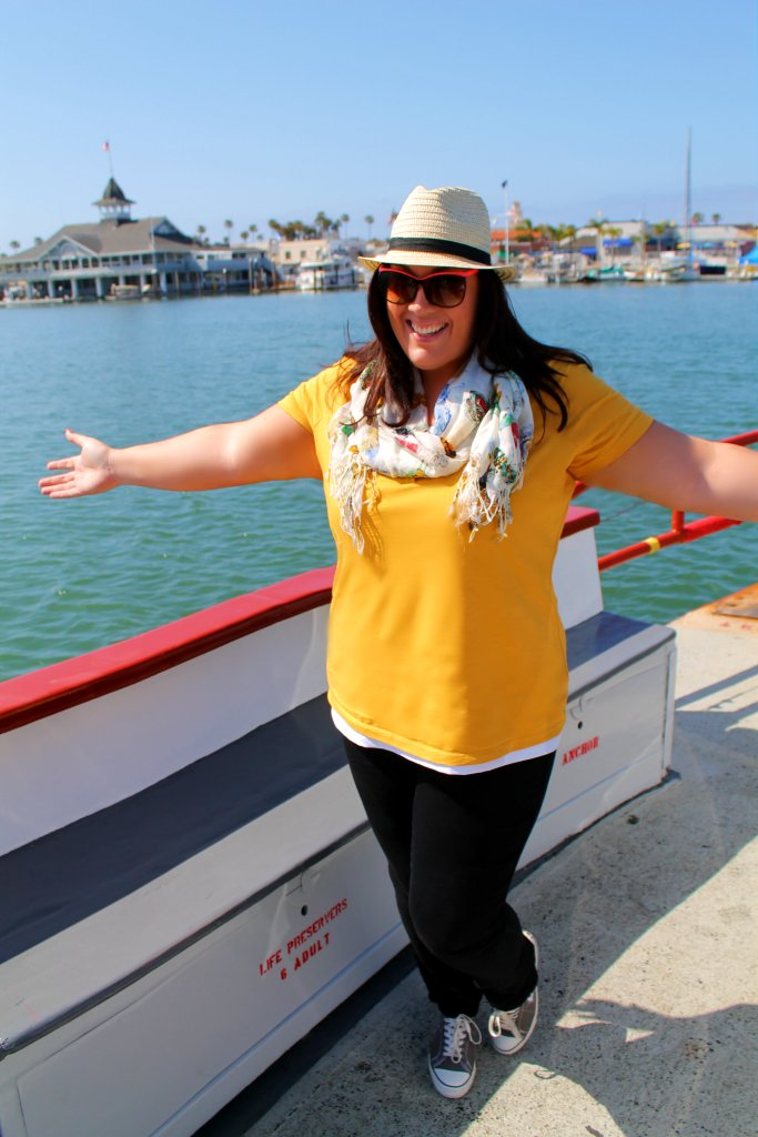 Curvy in Kansas City - Casual Theme Park Outfit Plus Size
